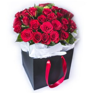 AklFlowers_Roses-Blackbag-web
